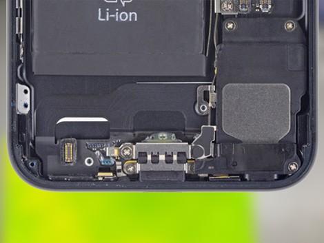 Установка нового разъема зарядки на iPhone 7 | KiberCentre.ru