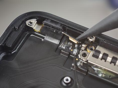 Демонтаж староо микрофона iPhone 7
