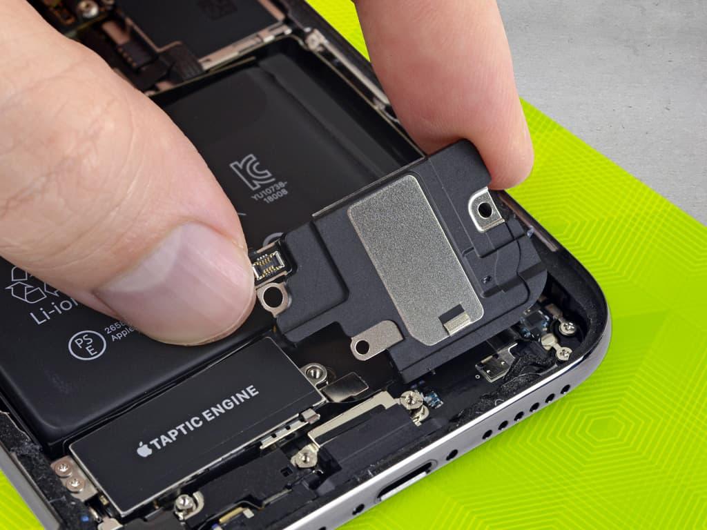 Установка динамика iPhone