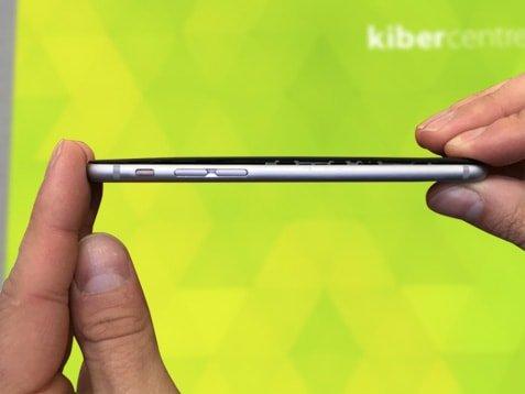 Разобранный iPhone
