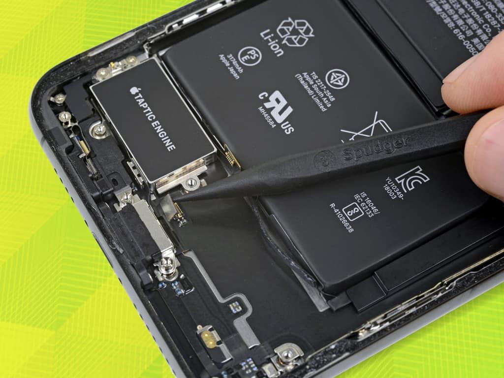 Установка нового вибромотора iPhone