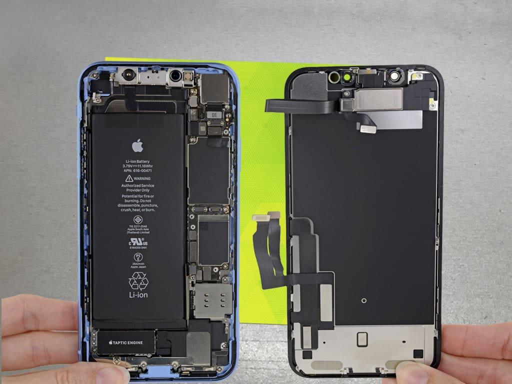 Разобранный iPhone   KiberCentre.ru