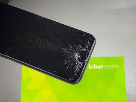 Разбитый iPhone 6