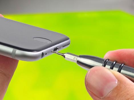 Мастер разбирает iPhone 6 | KiberCentre.ru