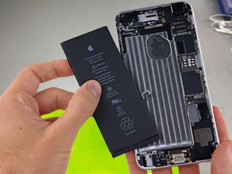 Установка аккумулятора на iPhone 6 Plus