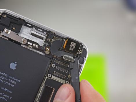 Удаление старой камеры из iPhone 6 Plus