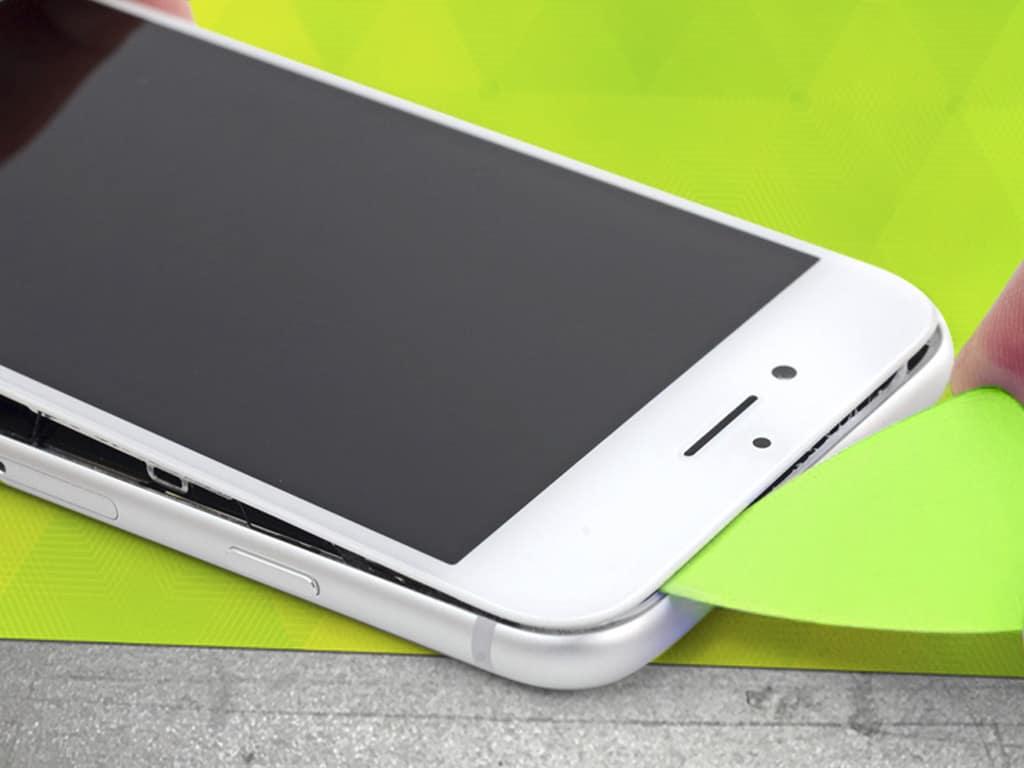 Вскрытие дисплея iPhone 8