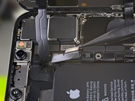 iPhone Xs в разборе