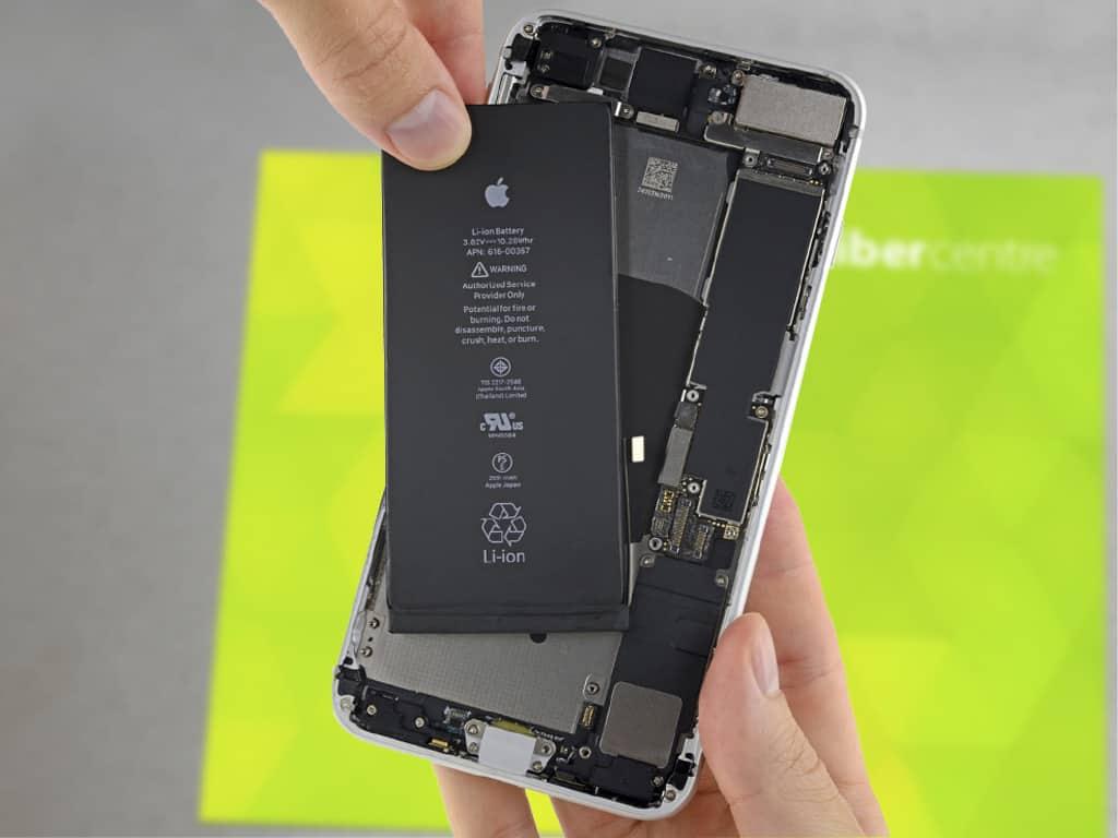 Установка аккумулятора на iPhone 8 Plus