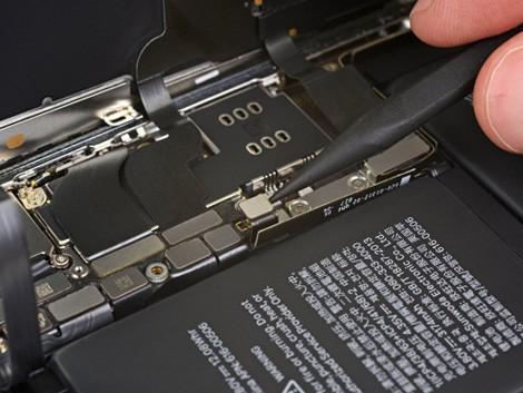 В разборе iPhone XS Max