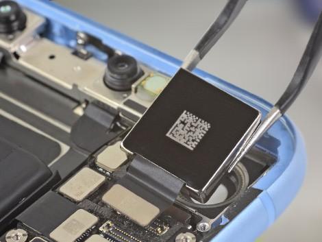 Демонтаж камеры на IPhone XR | KiberCentre.ru