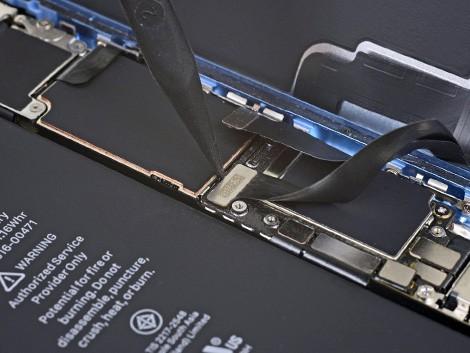 Удаление старого стекла на iPhone XR