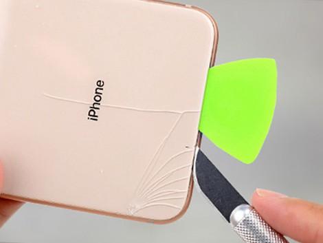 Разбитый дисплей iPhone XS