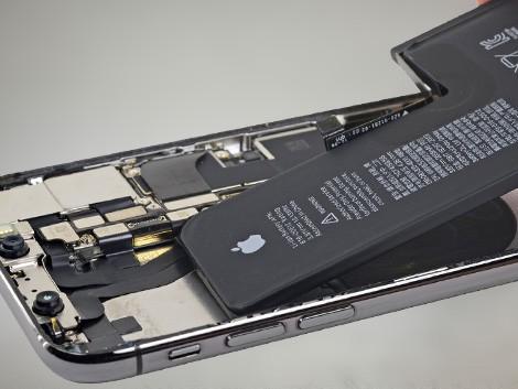 Установка аккумулятора iPhone XS | KiberCentre.ru