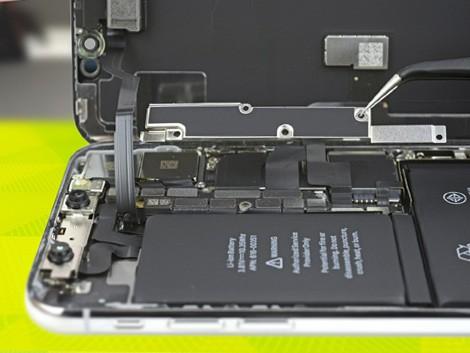 Демонтаж разбитого стекла на iPhone X