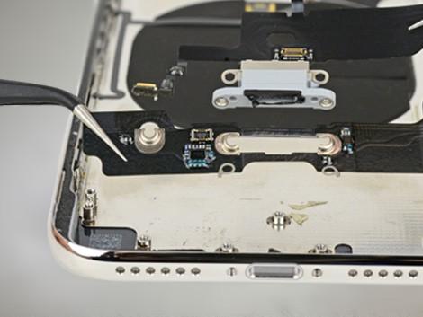 Демонтаж микрофона iPhone XS | KiberCentre.ru