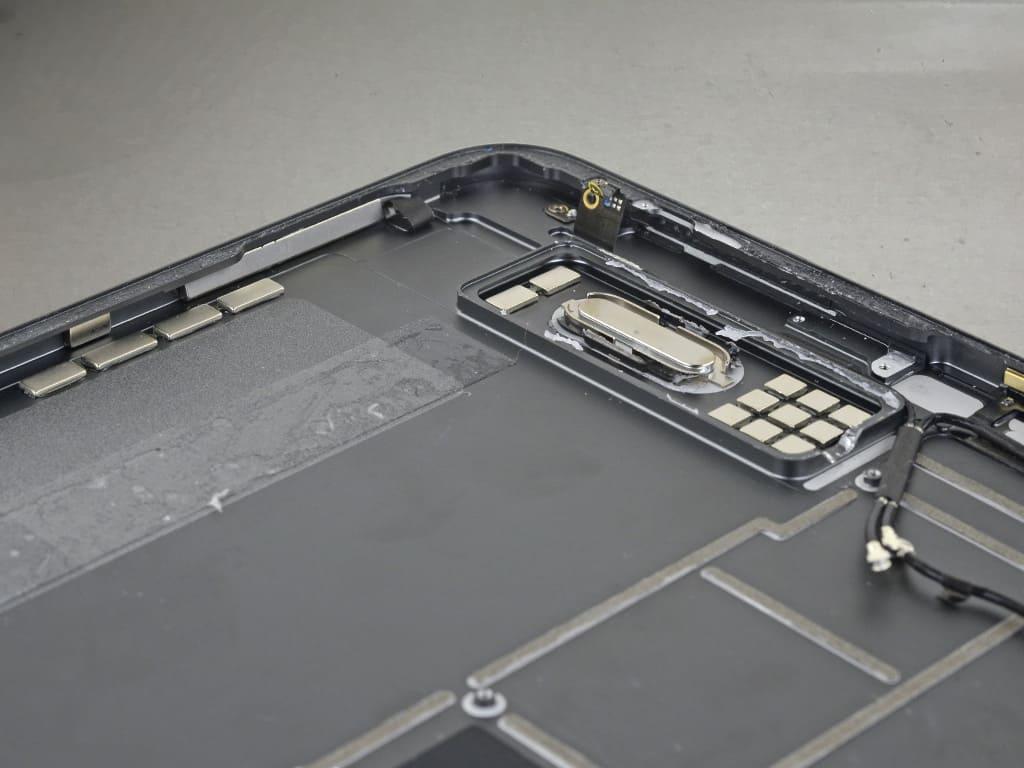 Разобранный iPad Pro | KiberCentre